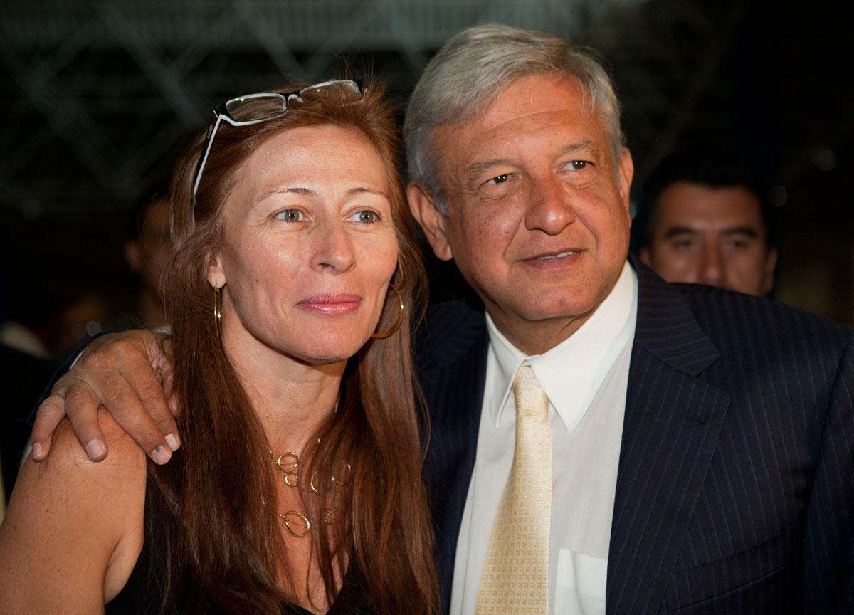 Tatiana Clouthier Carrillo Coordinadora De Campana Del Precandidato Presidencial Andres Manuel Lopez Obrador Dice Que El Compromiso Con La Patria Que