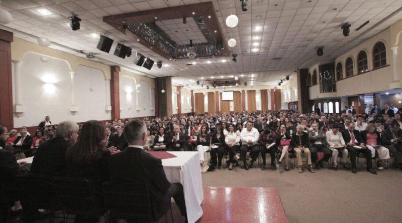 Expone AMLO documento con reformas que Poder Ejecutivo pondrá en consideración del Congreso