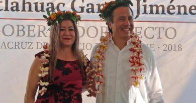 Cuitláhuac García presenta a Guadalupe Argüelles como la próxima Secretaria del Trabajo