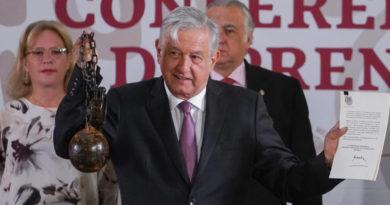 Presidente firma decreto para convertir penal de Islas Marías en centro cultural